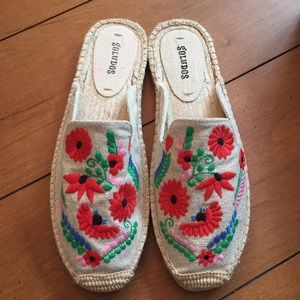 Brand New Soludos Ibiza women's embroidered Size 8